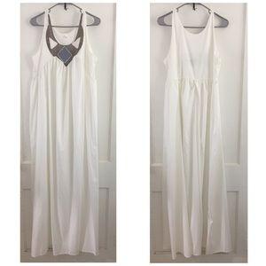 Dresses & Skirts - Simi Classic Maxi Dress